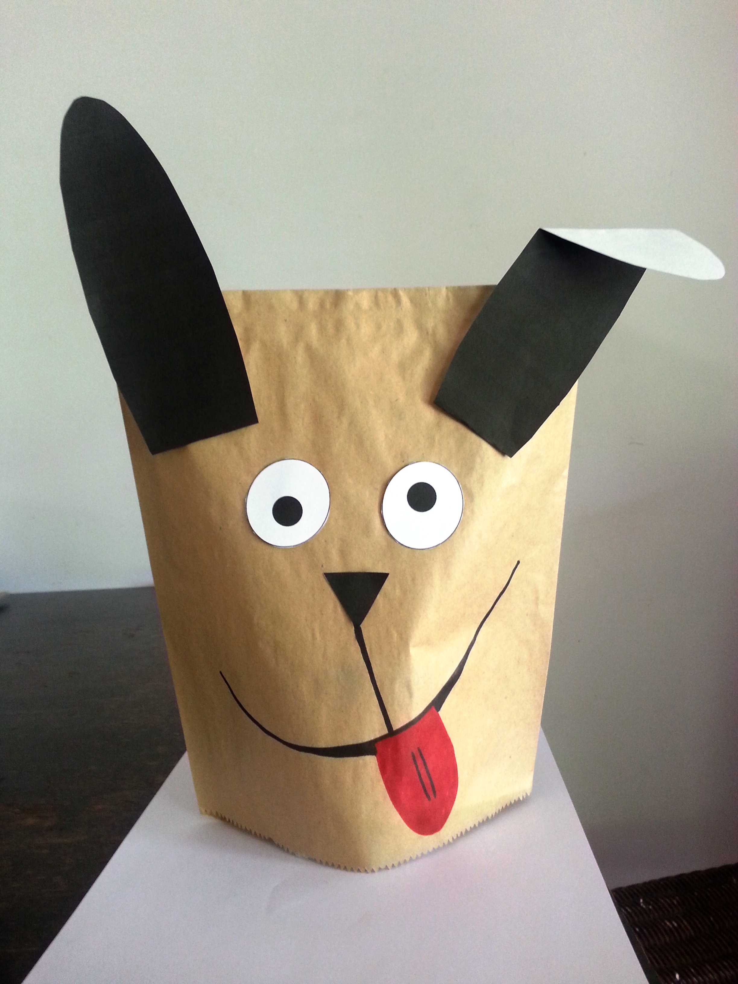 Free printable dog paper bag puppet | Introduction games for staff ...